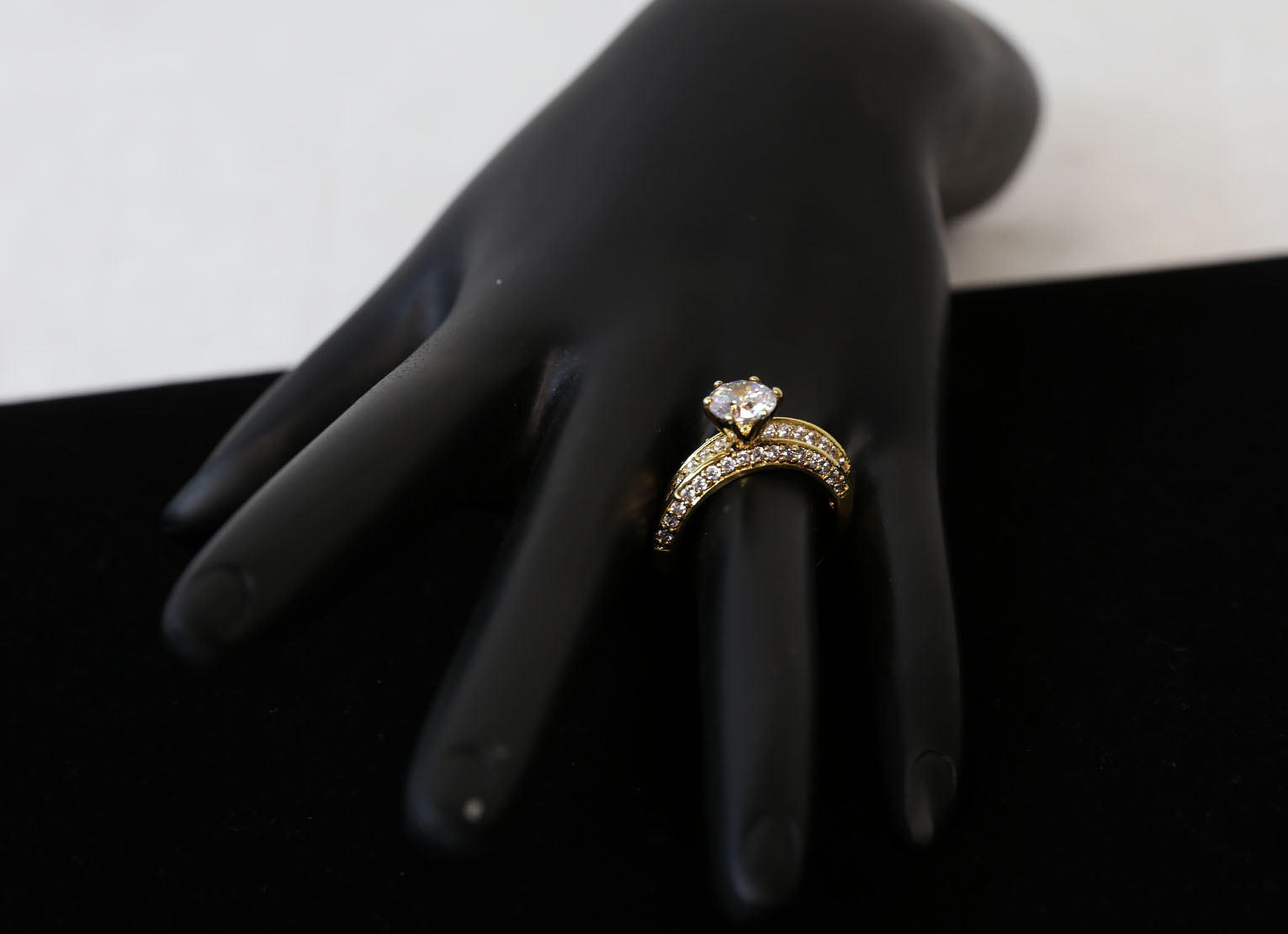 Solitaire Cubic Zirconia, Gold Ring