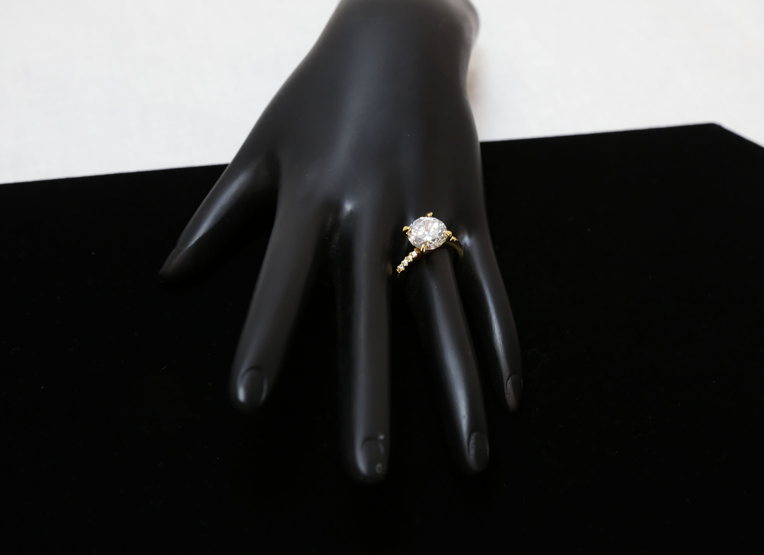 Diamond Engagement Gold Ring